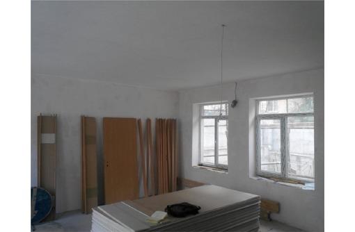 На Кулакова на первом этаже с отдельным входом Торгово-офисное помещение, площадью 75 кв.м., фото — «Реклама Севастополя»