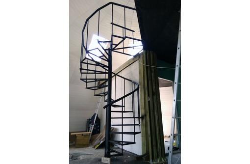 Лестница металлическая. Изготовление и монтаж  Севастополь, фото — «Реклама Севастополя»