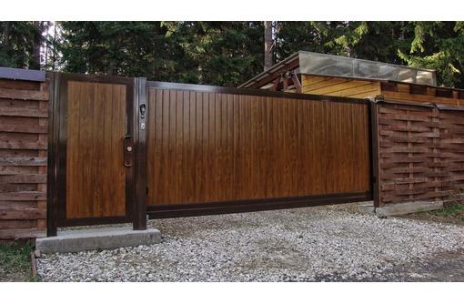 Ворота дворовые откатные автоматические, фото — «Реклама Севастополя»