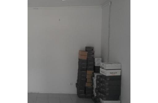 На первой линии ул Большая Морская Сдается в аренду Торгово-Офисное, площадью 30 кв.м., фото — «Реклама Севастополя»