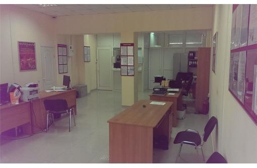 Сдается на Первой линии Ул Проспект Октябрьской Революции Торгово-Офисное помещение, площадью 78 м2, фото — «Реклама Севастополя»