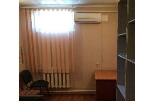 Сдается в аренду Меблированный Офисный кабинет в районе ул Пожарова, площадью 13 кв.м., фото — «Реклама Севастополя»
