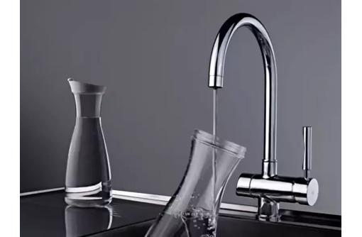 установка смесителей монтаж водопровода, фото — «Реклама Феодосии»