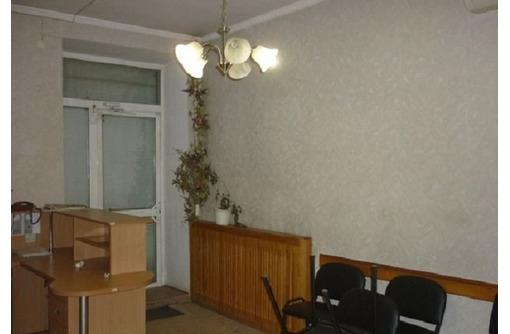 На Большой Морской Сдается в Аренду Офисное помещение (3-х кабинетное), площадью 50 кв.м., фото — «Реклама Севастополя»