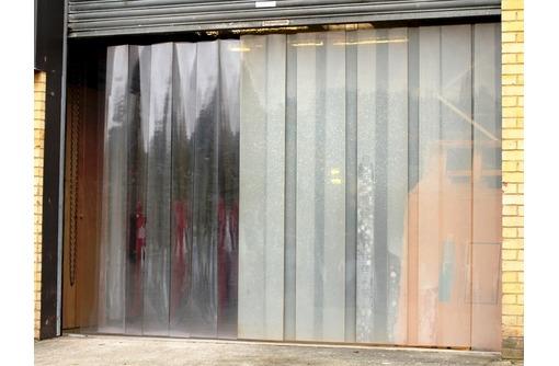 ПВХ штора (завеса) для холодильного оборудования, фото — «Реклама Белогорска»