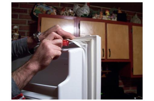 Уплотнительная резина для холодильников, фото — «Реклама Севастополя»