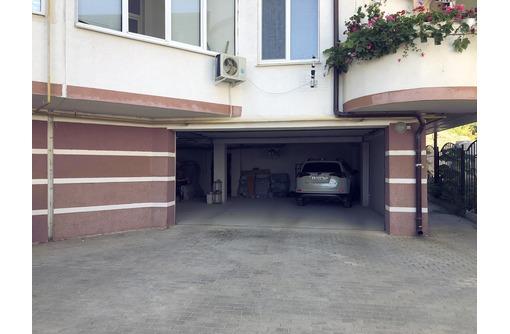 Паркинг в доме по ул. Парковая, 8/24, фото — «Реклама Севастополя»