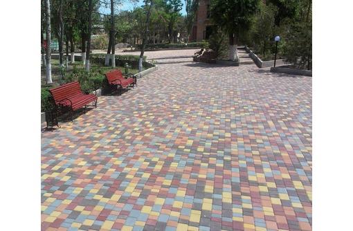Укладка, монтаж и демонтаж тротуарной плитки, фото — «Реклама Севастополя»