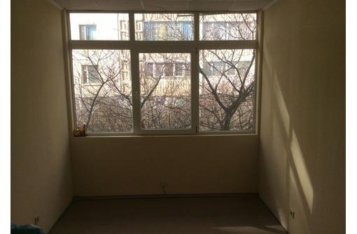 Сдается Офисное помещение на Улице Героев Сталинграда (коридорно-кабинетная система), площадью 13 м2, фото — «Реклама Севастополя»