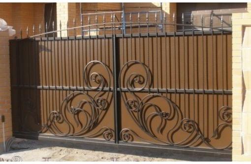 Изготовление и установка кованых и простых ворот, навесов, заборов, дверей, решеток,, фото — «Реклама Севастополя»