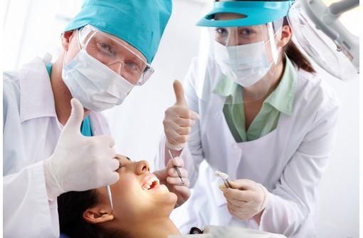 В стоматологию требуется медицинская сестра, фото — «Реклама Севастополя»