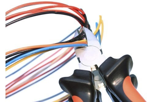 Услуги электрика по полной и частичной замене проводки., фото — «Реклама Керчи»