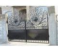 Изготовление и установка ворот, металлических дверей, заборов, навесов, козырьков, решеток - Заборы, ворота в Крыму
