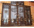 Изготовление и установка решеток на окна и двери, навесов, козырьков, ограждений, фото — «Реклама Феодосии»