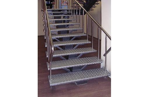 Изготовление лестниц на металлокаркасе, ворот, навесов, фото — «Реклама Ялты»