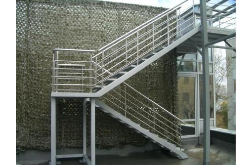 Профессиональное изготовление лестниц для дома и дачи, фото — «Реклама Ялты»