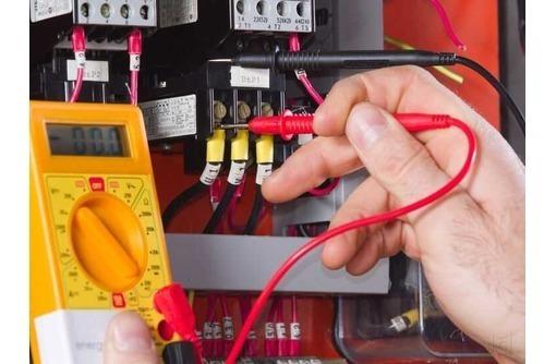 Электрик. Монтаж электропроводки, фото — «Реклама Ялты»