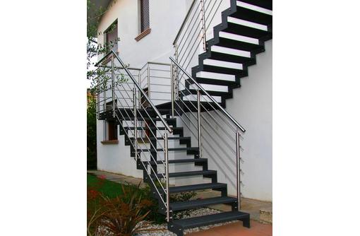 Изготовление лестниц любой сложности и конфигурации, фото — «Реклама Ялты»