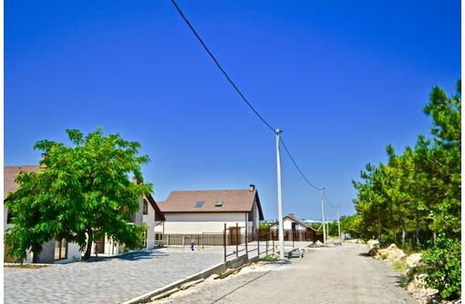 Новый кирпичный дом с документами в коттеджном поселке, фото — «Реклама Севастополя»