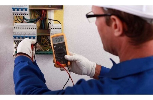 Услуги электрика по полной и частичной замене проводки., фото — «Реклама Ялты»