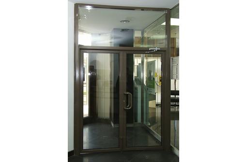 Двери двустворчатые алюминиевые Татпроф хол 1,5х2м, фото — «Реклама Севастополя»
