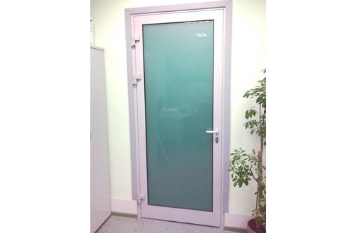 Двери одностворчатые алюминиевая Алютех холодная, фото — «Реклама Севастополя»