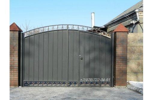 Ворота распашные металлические, фото — «Реклама Севастополя»