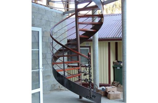 Изготовление лестниц, перил, козырьков, решеток, фото — «Реклама Севастополя»