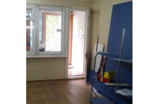 Сдается в аренду Офисное помещение по адресу ул Луначарского (вход со  стороны Ленина) 34,7 кв.м., фото — «Реклама Севастополя»
