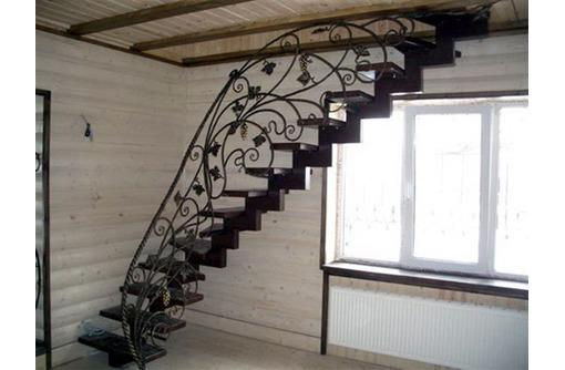 Изготовление и монтаж лестниц из дерева, металла, бетона., фото — «Реклама Ялты»