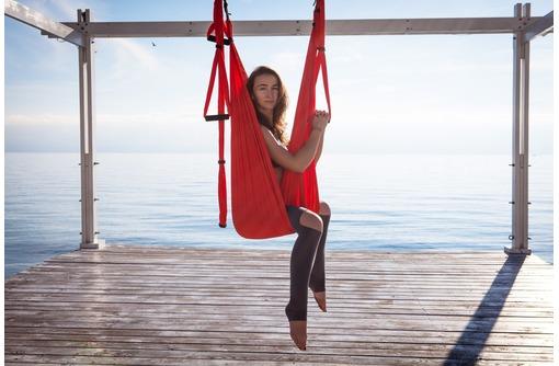 Йога в гамаках и Йога в гамаках для беременных, фото — «Реклама Ялты»