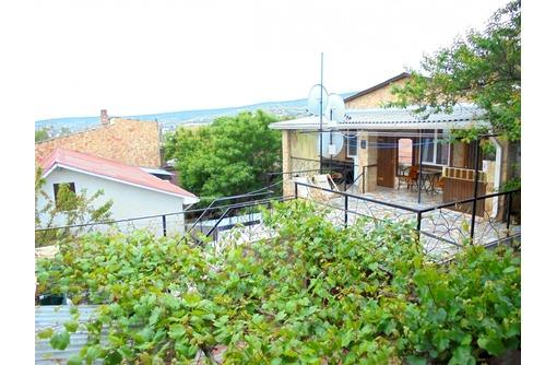 Двухкомнатный домик с террасой на 3-7 человек в Феодосии., фото — «Реклама Феодосии»