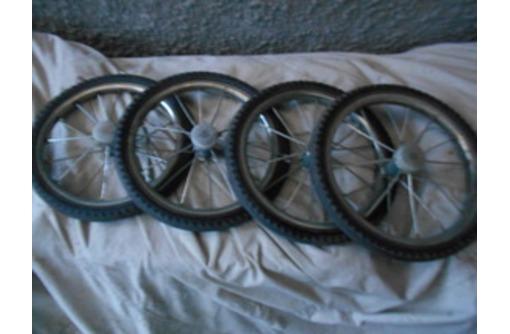 Продам четыре колеса на спицах  диаметре где-то 20 см, фото — «Реклама Севастополя»