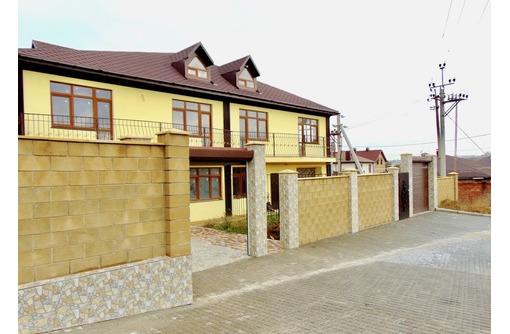 Новый дом, с документами и коммуникациями, ул.Готская, фото — «Реклама Севастополя»