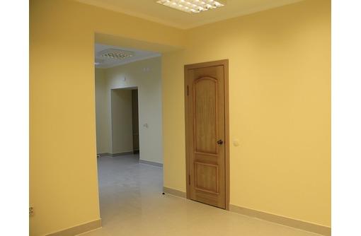 Сдается в аренду офисное помещение на ул Суворова (отдельный вход, два кабинета), площадью 30 кв.м., фото — «Реклама Севастополя»
