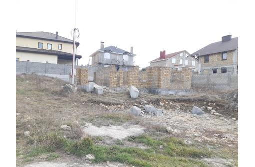 Участок с недостроем ул.Тимма Лесная Поляна в начале, фото — «Реклама Севастополя»