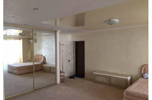 Сдается крупногабаритная 1-комнатная-студио, улица Астана Кесаева, 25000 рублей, фото — «Реклама Севастополя»