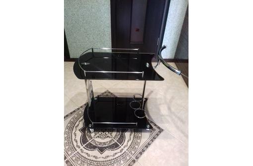 продам сервировочный стеклянный  столик, фото — «Реклама Севастополя»