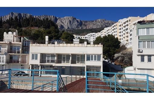 продам здание 794 м2 на набережной Паркового Большая Ялта, фото — «Реклама Ялты»