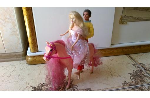 Продаю в Севастополе Барби и Кен на лошади, производство США, фото — «Реклама Севастополя»