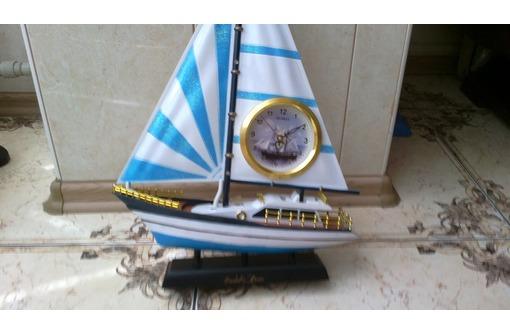 Продаю в Севастополе красивые сувенирные часы в виде яхты, фото — «Реклама Севастополя»