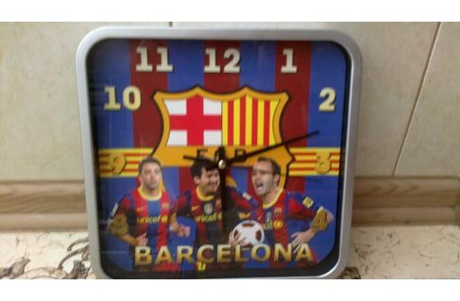 Продаю в Севастополе электронные настенные часы Барселона, фото — «Реклама Севастополя»