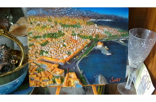 Продаю в Севастополе красивый сувенир гравюра на камне на подставке город Сплит Хорватия, фото — «Реклама Севастополя»