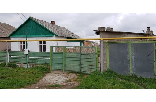 Дом в Крыму в пгт. Ленино продам, фото — «Реклама Щелкино»