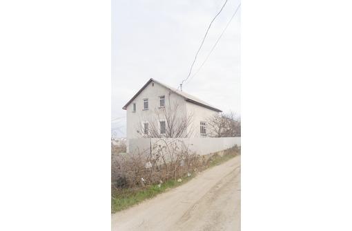 Продам 3-х этажный дом 182 кв.м+жилая времянка,10 соток земли,район 7 км.6500 000 рублей., фото — «Реклама Севастополя»