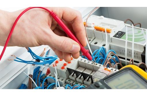 Срочный вызов электрика 24/7, фото — «Реклама Севастополя»