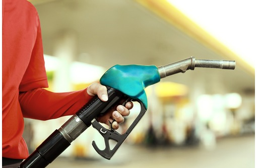 Требуется водитель на бензовоз, оператор слива-налива нефтепродуктов., фото — «Реклама Симферополя»
