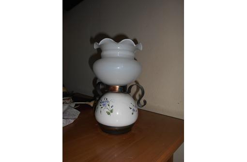 настольную электрическую лампу, фото — «Реклама Севастополя»