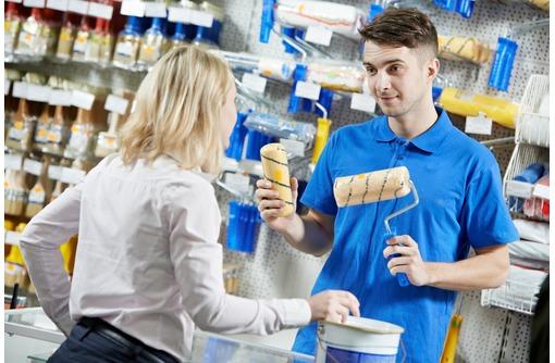 В магазин инструментов требуется продавец-консультант!, фото — «Реклама Севастополя»