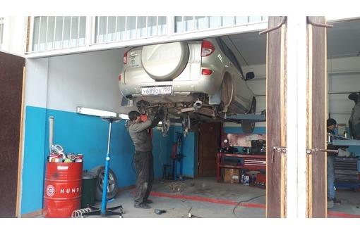 Оперативный ремонт ходовой части., фото — «Реклама Севастополя»